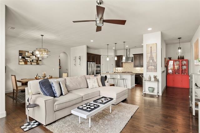 2 Bedrooms, Positano Tuscan Homes Rental in Dallas for $3,200 - Photo 1