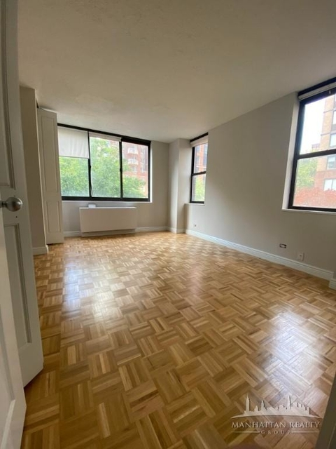 2 Bedrooms, Yorkville Rental in NYC for $4,590 - Photo 1