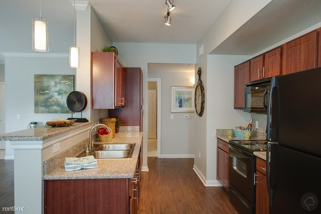 2 Bedrooms, The Woodlands Rental in Houston for $1,600 - Photo 1