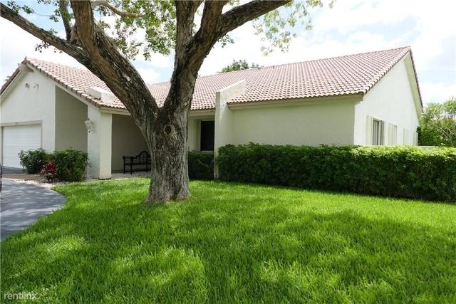 4 Bedrooms, Jacaranda Lakes Rental in Miami, FL for $3,475 - Photo 1