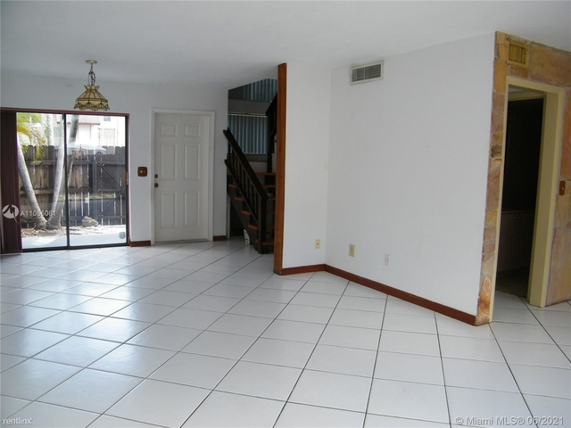 2 Bedrooms, Snapper Creek Townhouses Rental in Miami, FL for $2,050 - Photo 1