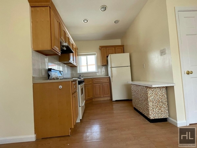 3 Bedrooms, Maspeth Rental in NYC for $2,499 - Photo 1
