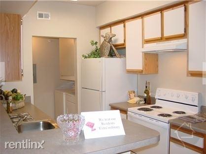 3 Bedrooms, Grogan's Mill Rental in Houston for $1,550 - Photo 1