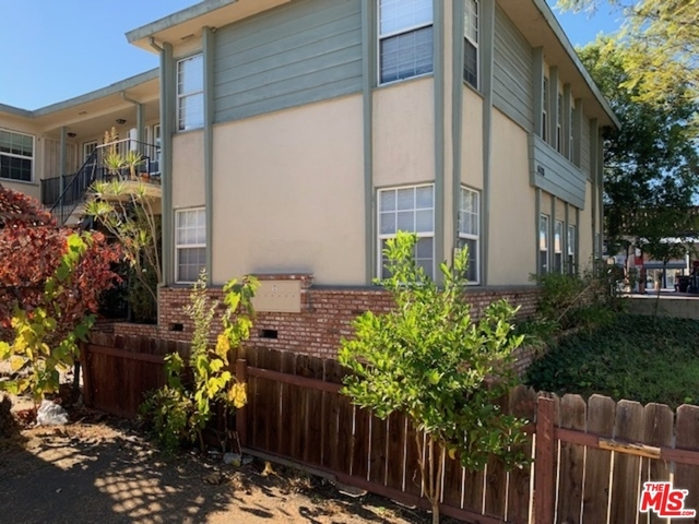 2 Bedrooms, CHAPS Rental in Los Angeles, CA for $2,200 - Photo 1