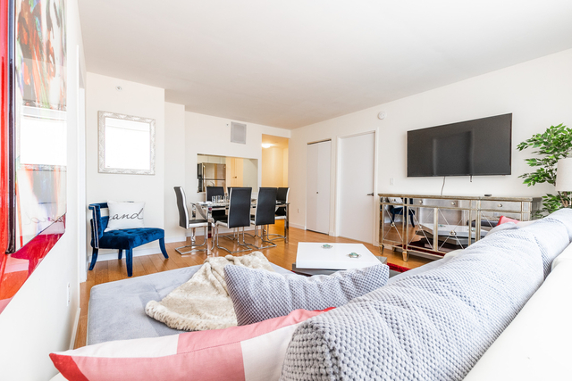 2 Bedrooms, Alphabet City Rental in NYC for $5,400 - Photo 1