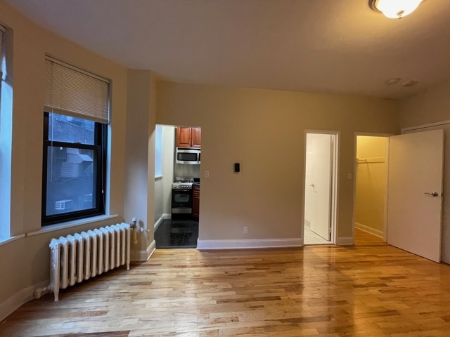 Studio, Theater District Rental in NYC for $1,825 - Photo 1