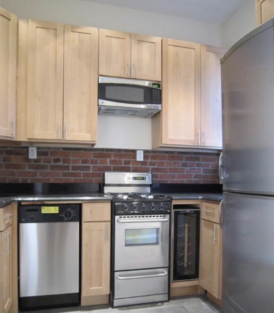 3 Bedrooms, Yorkville Rental in NYC for $5,395 - Photo 1
