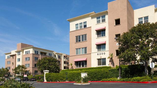 1 Bedroom, Woodland Hills-Warner Center Rental in Los Angeles, CA for $2,395 - Photo 1
