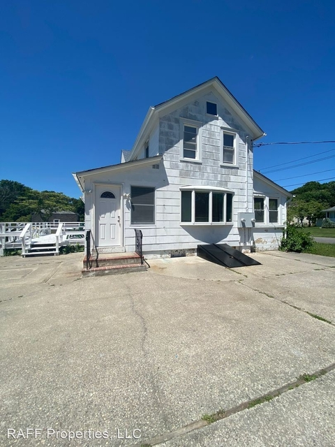 2 Bedrooms, North Bellport Rental in Long Island, NY for $2,500 - Photo 1