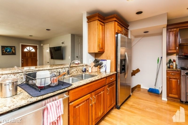 3 Bedrooms, Lake View East Rental in Chicago, IL for $3,500 - Photo 1