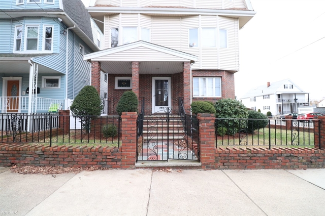 2 Bedrooms, South Medford Rental in Boston, MA for $2,100 - Photo 1