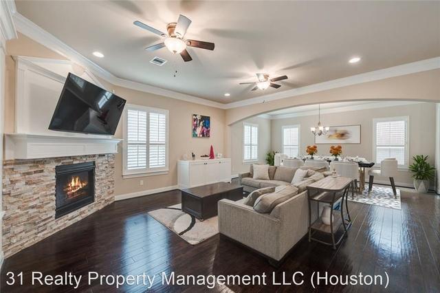 3 Bedrooms, Sherwood Estates Rental in Houston for $2,450 - Photo 1