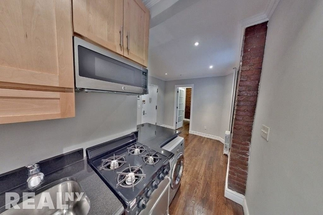 3 Bedrooms, East Village Rental in NYC for $4,304 - Photo 1