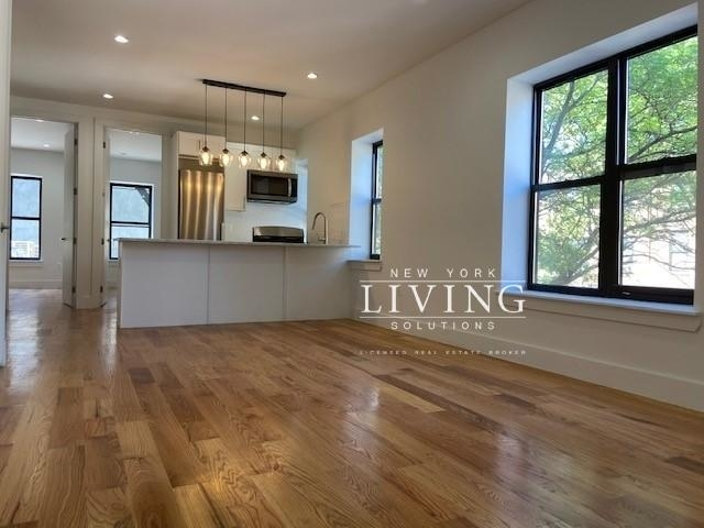 4 Bedrooms, Crown Heights Rental in NYC for $4,400 - Photo 1