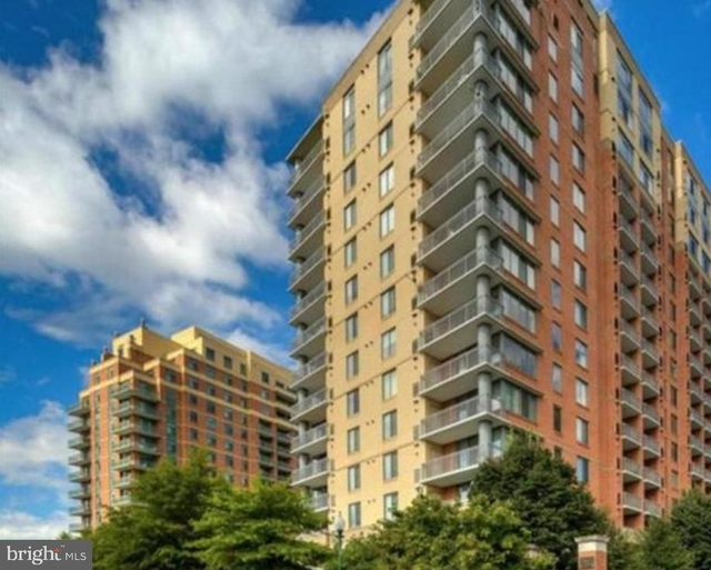 2 Bedrooms, North Bethesda Rental in Washington, DC for $2,400 - Photo 1