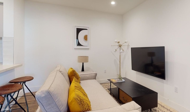 1 Bedroom, Larchmont Rental in Los Angeles, CA for $1,075 - Photo 1