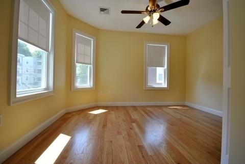 3 Bedrooms, Oak Square Rental in Boston, MA for $3,300 - Photo 1