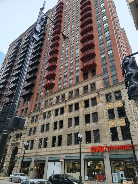 3 Bedrooms, The Loop Rental in Chicago, IL for $3,695 - Photo 1
