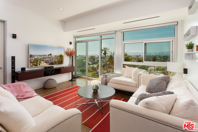 2 Bedrooms, Silver Strand Rental in Los Angeles, CA for $7,000 - Photo 1