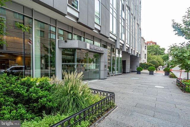 2 Bedrooms, West End Rental in Washington, DC for $6,200 - Photo 1