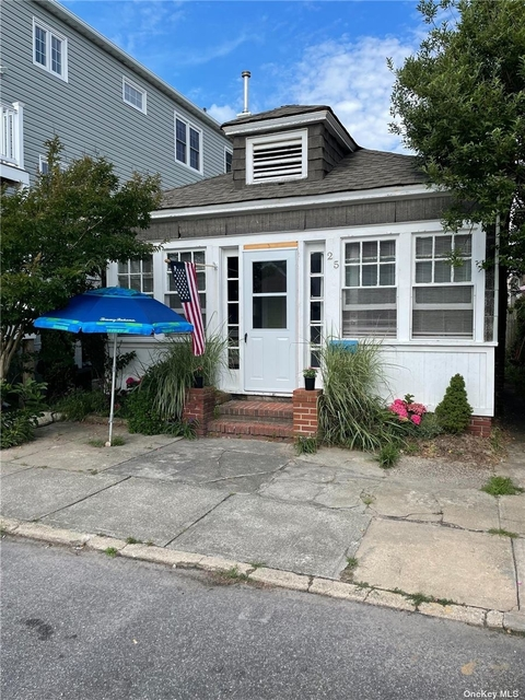 3 Bedrooms, West End Rental in Long Island, NY for $7,000 - Photo 1