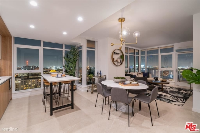 1 Bedroom, South Park Rental in Los Angeles, CA for $3,299 - Photo 1