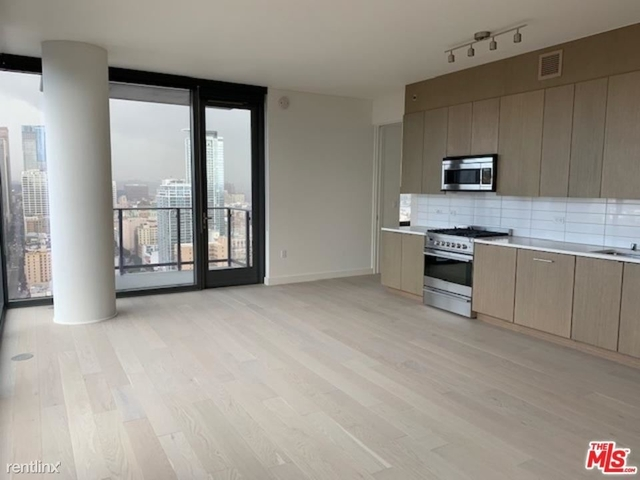 1 Bedroom, South Park Rental in Los Angeles, CA for $4,986 - Photo 1