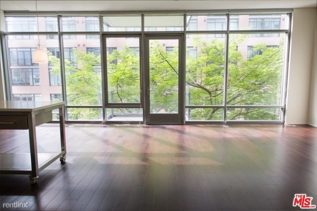 1 Bedroom, South Park Rental in Los Angeles, CA for $3,100 - Photo 1