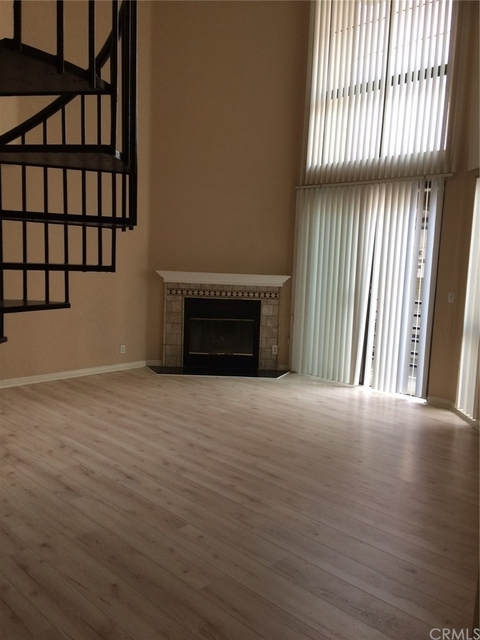 4 Bedrooms, Brentwood Rental in Los Angeles, CA for $5,700 - Photo 1