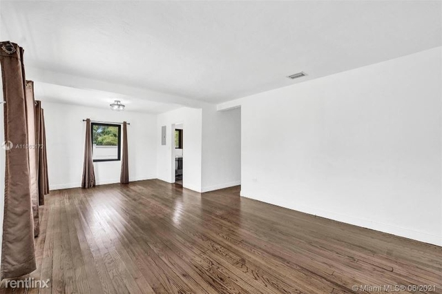 3 Bedrooms, Parkdale Heights Rental in Miami, FL for $3,500 - Photo 1