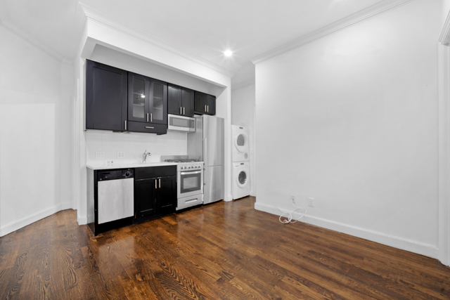 3 Bedrooms, NoHo Rental in NYC for $5,490 - Photo 1