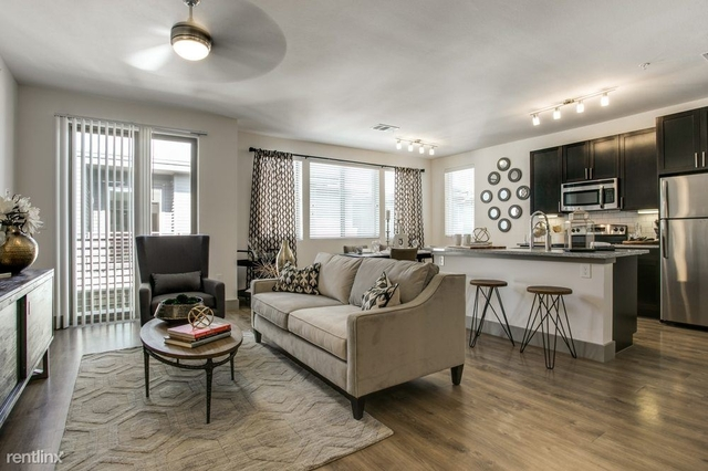 2 Bedrooms, Roseland Rental in Dallas for $2,559 - Photo 1