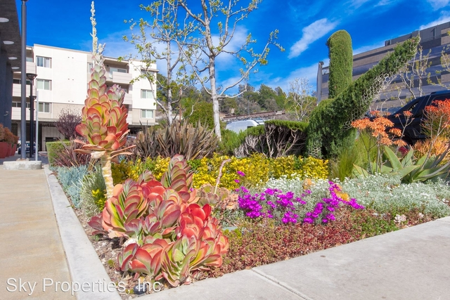 2 Bedrooms, Hollywood Hills West Rental in Los Angeles, CA for $2,895 - Photo 1