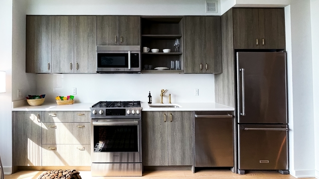 Studio, Hell's Kitchen Rental in NYC for $3,430 - Photo 1