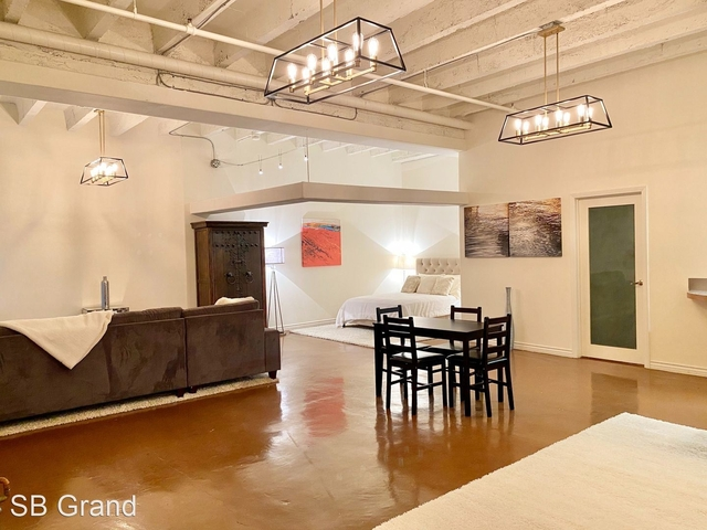 2 Bedrooms, Jewelry District Rental in Los Angeles, CA for $2,050 - Photo 1