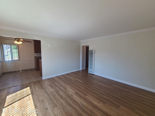 2 Bedrooms, North Inglewood Rental in Los Angeles, CA for $1,800 - Photo 1