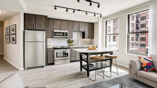 2 Bedrooms, Braddock Road Metro Rental in Washington, DC for $2,670 - Photo 1