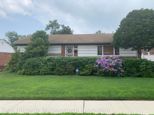 4 Bedrooms, Elmont Rental in Long Island, NY for $3,600 - Photo 1