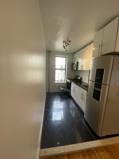 2 Bedrooms, East Midwood Rental in NYC for $1,695 - Photo 1