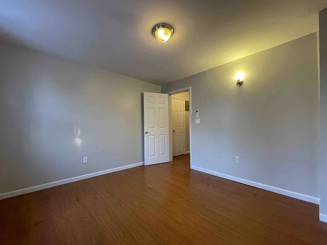2 Bedrooms, East Williamsburg Rental in NYC for $1,800 - Photo 1