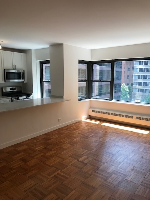 1 Bedroom, Sutton Place Rental in NYC for $3,928 - Photo 1
