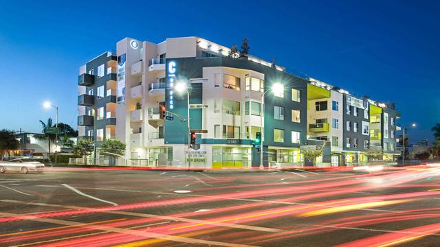 2 Bedrooms, West Los Angeles Rental in Los Angeles, CA for $3,473 - Photo 1