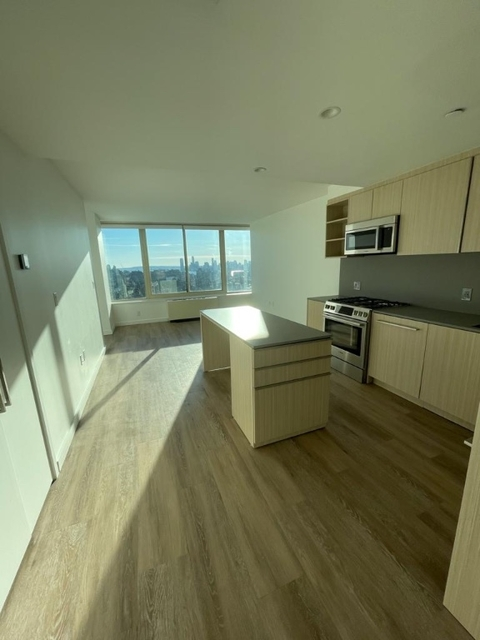 1 Bedroom, Chelsea Rental in NYC for $4,125 - Photo 1