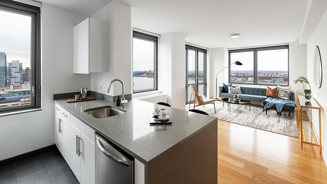 2 Bedrooms, Hell's Kitchen Rental in NYC for $6,220 - Photo 1