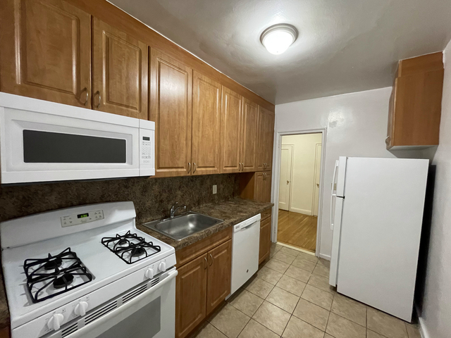 1 Bedroom, Rego Park Rental in NYC for $1,849 - Photo 1