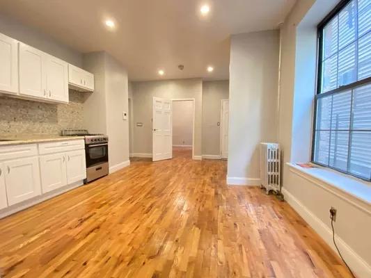2 Bedrooms, Bushwick Rental in NYC for $2,445 - Photo 1