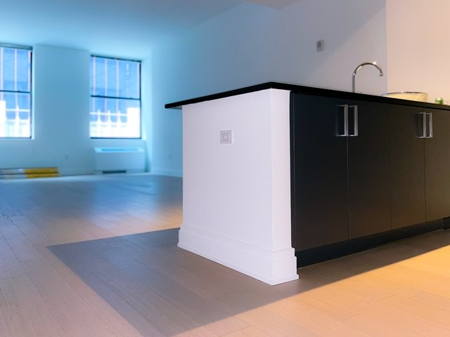 Studio, Financial District Rental in NYC for $3,330 - Photo 1