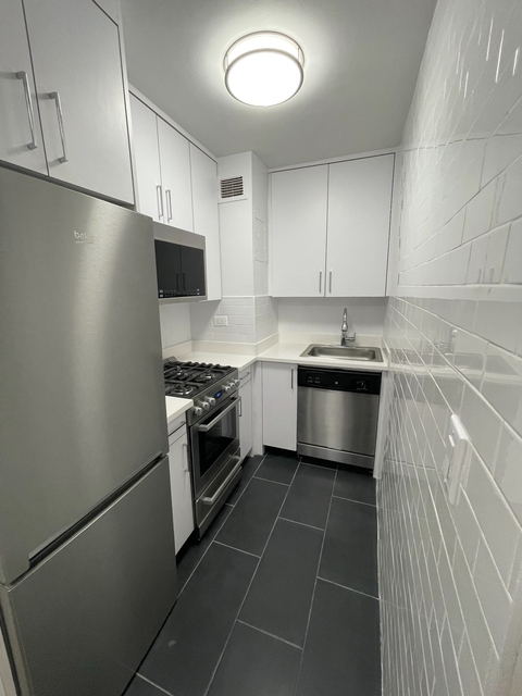 Studio, Sutton Place Rental in NYC for $3,507 - Photo 1