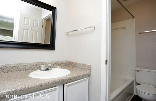 3 Bedrooms, Texas City-League City Rental in Houston for $1,250 - Photo 1