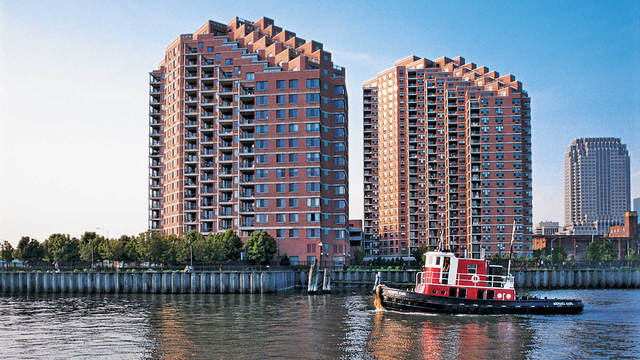 2 Bedrooms, The Waterfront Rental in NYC for $3,600 - Photo 1